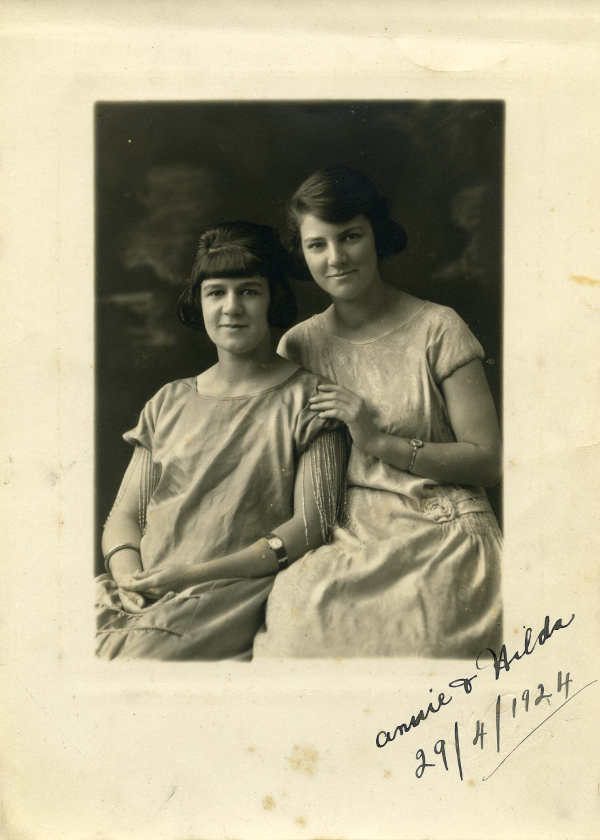 Fig. 4 Studio portrait of Anna Louisa and Hilda Ryan, Anna wearing her treasured NS bangle (by kind permission of Hilda McDonnell, Lower Hutt, NZ)